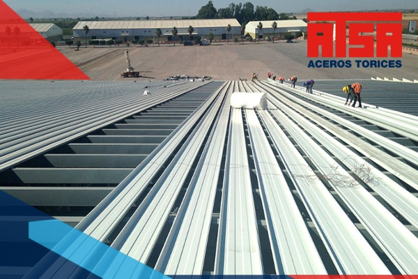 La lámina KR-18, es un acanalado de características especiales que debes de conocer. ¡Somos fabricantes! Enviamos a todo México.