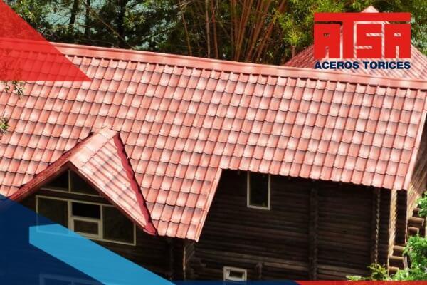 Las láminas tipo teja son una de las alternativas más llamativas, económicas y funcionales que existen en el mercado para techos.